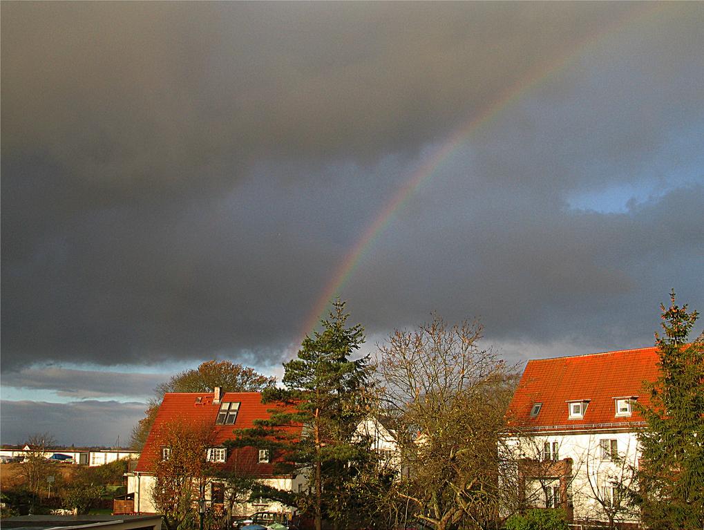 Regenbogen über Ladebow