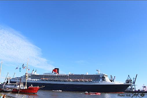 _Queen Mary2 in Hamburg_ Foto: (c)Ank 7/2015