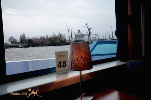 _Table 48 with Queen Victoria_ Elbe Hamburg, Foto: Ank(c) 1/2015
