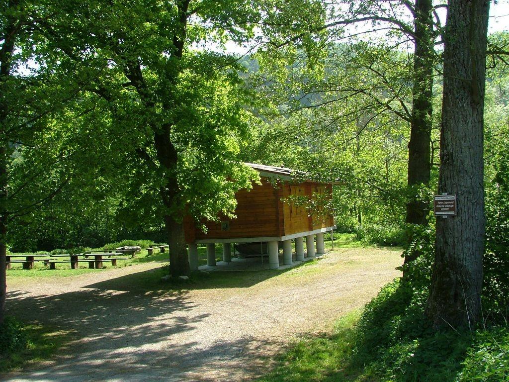 Am Wegesrand zu sehen: Die Fischerhütte auf Stelzen