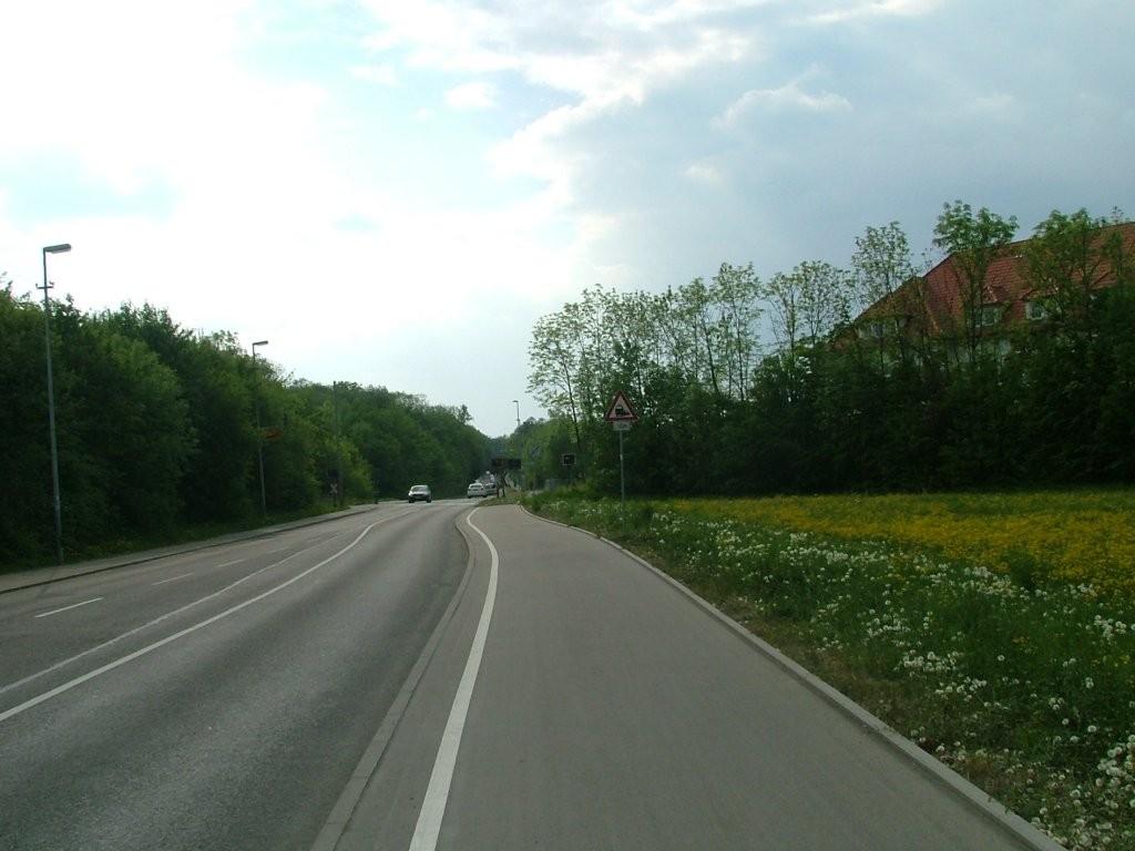 Entlang der Ludwigsburger Straße kommen Sie nach Asperg