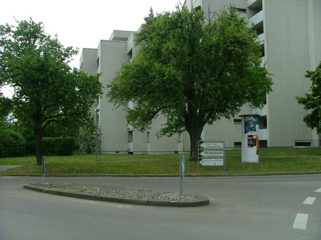 In Asperg angekommen biegen Sie von der Neckarstraße links ab zu den Sportanlagen.