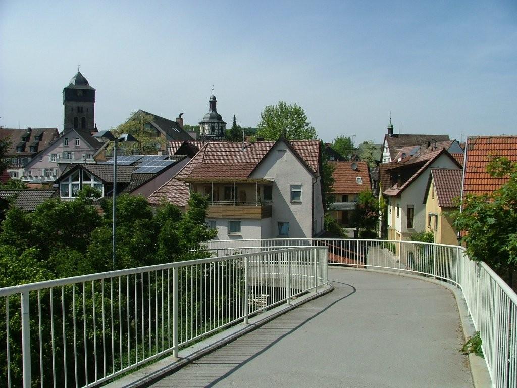 Blick von der Schneckenbrücke auf die Altstadt von Oberstenfeld.