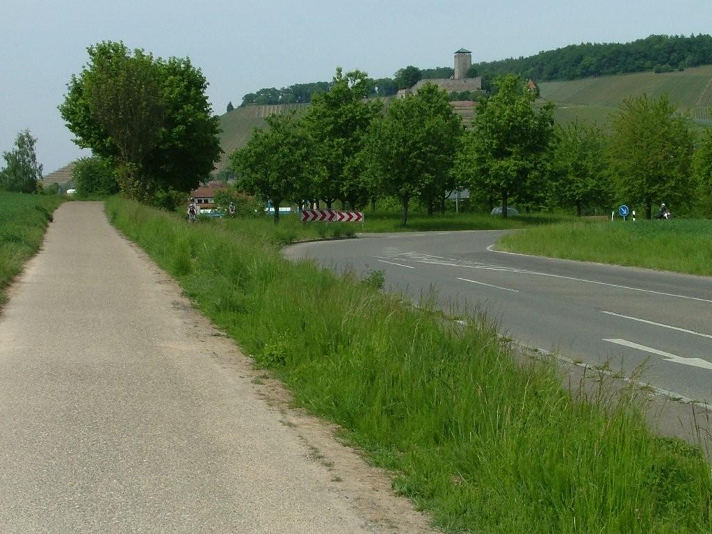 Am Ortsausgang von Oberstenfeld, Richtung Beilstein, fahren Sie weiter an der landstraße entlang nach Beilstein.