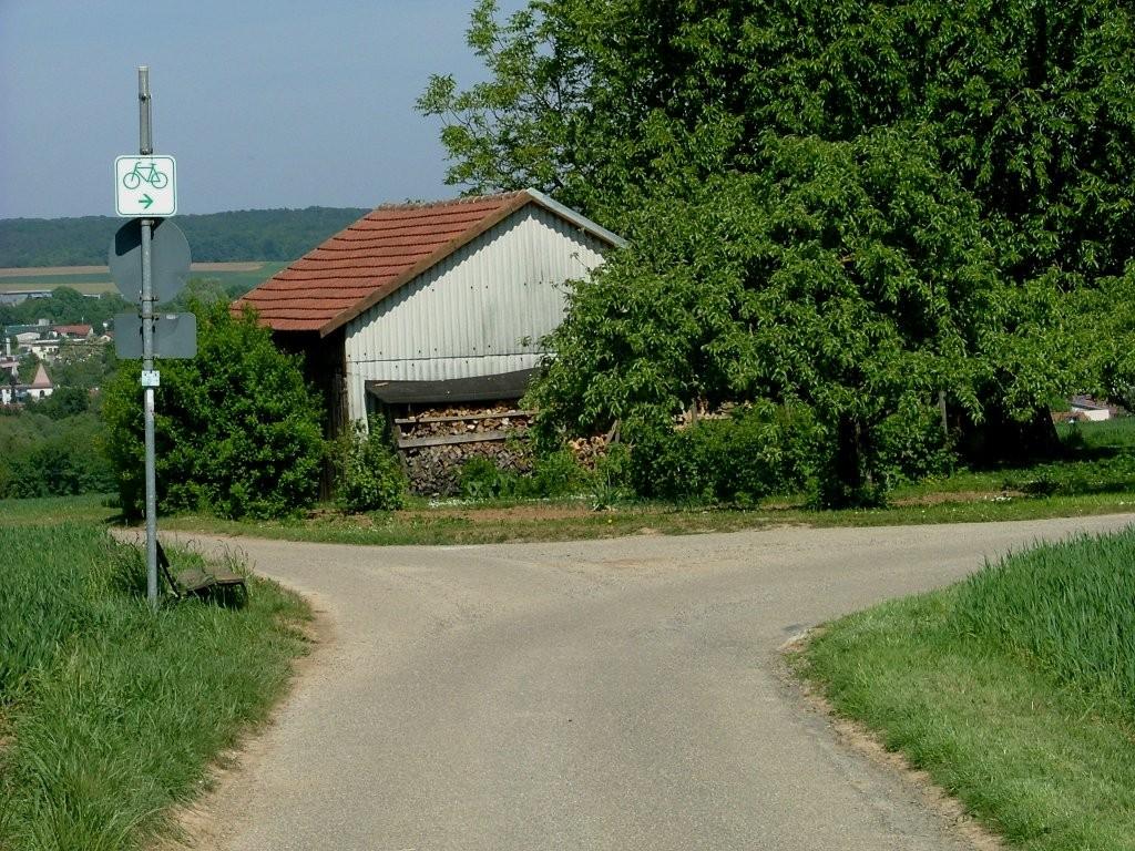 Vor Steinheim nochmal rechts abbiegen und weiter bergab.