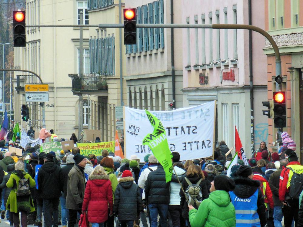 Auf rot steht nur die Agrarpolitik, Foto F. Handel
