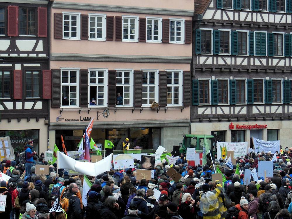 Kundgebung auf dem Marktplatz, Foto F. Handel