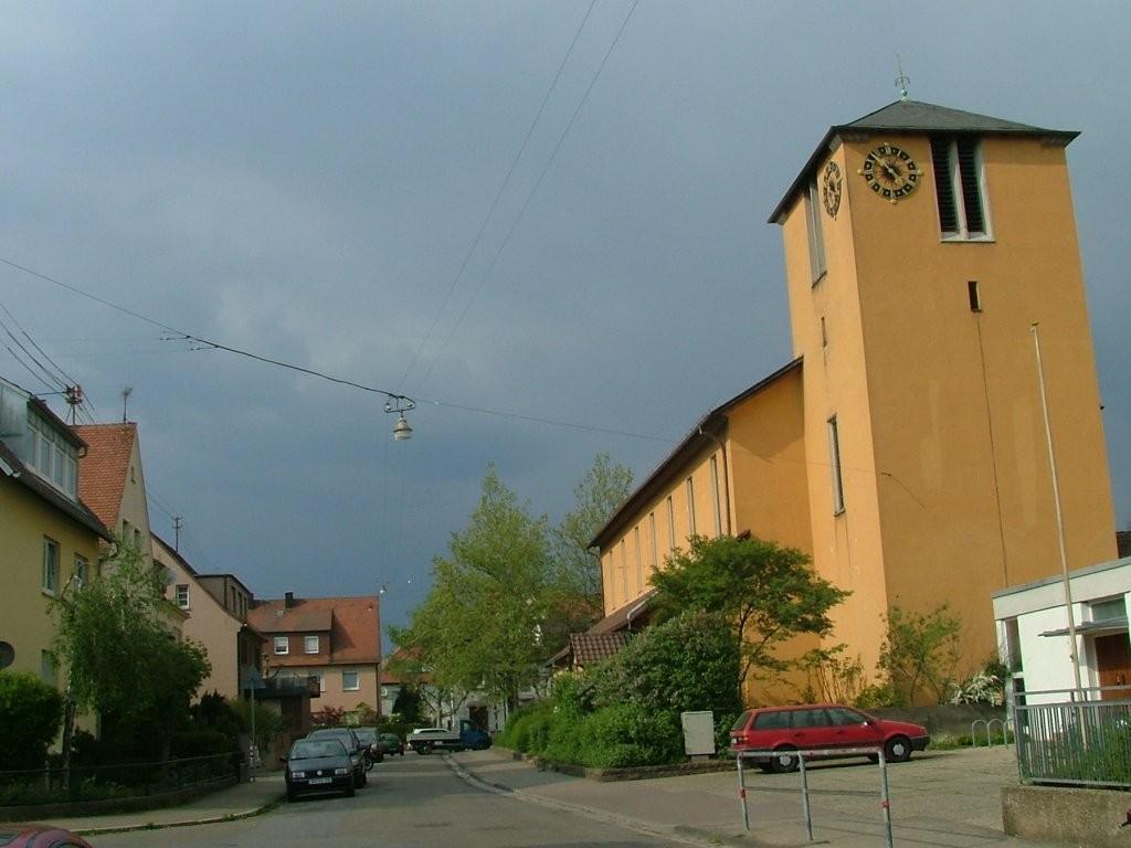 Über die Justinusstraße und Johannesstraße erreichen Sie nach der Erlöserkircher die Osterholzallee