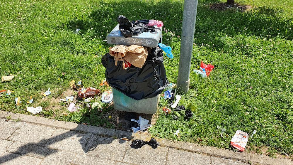 Die moderne Gesellschaft? Müllprobelm ist weiterhin gegeben