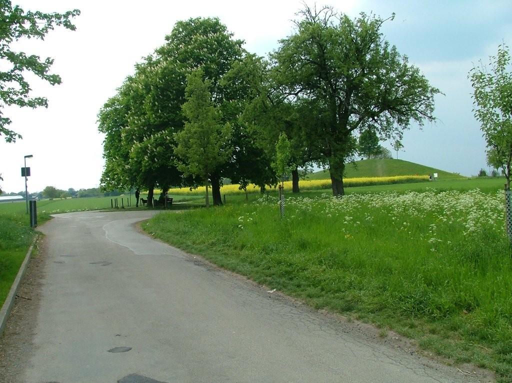 """Nun kommen Sie am """"Kleinaspergle"""" vorbei und fahren links Richtung Naturfreundehaus."""