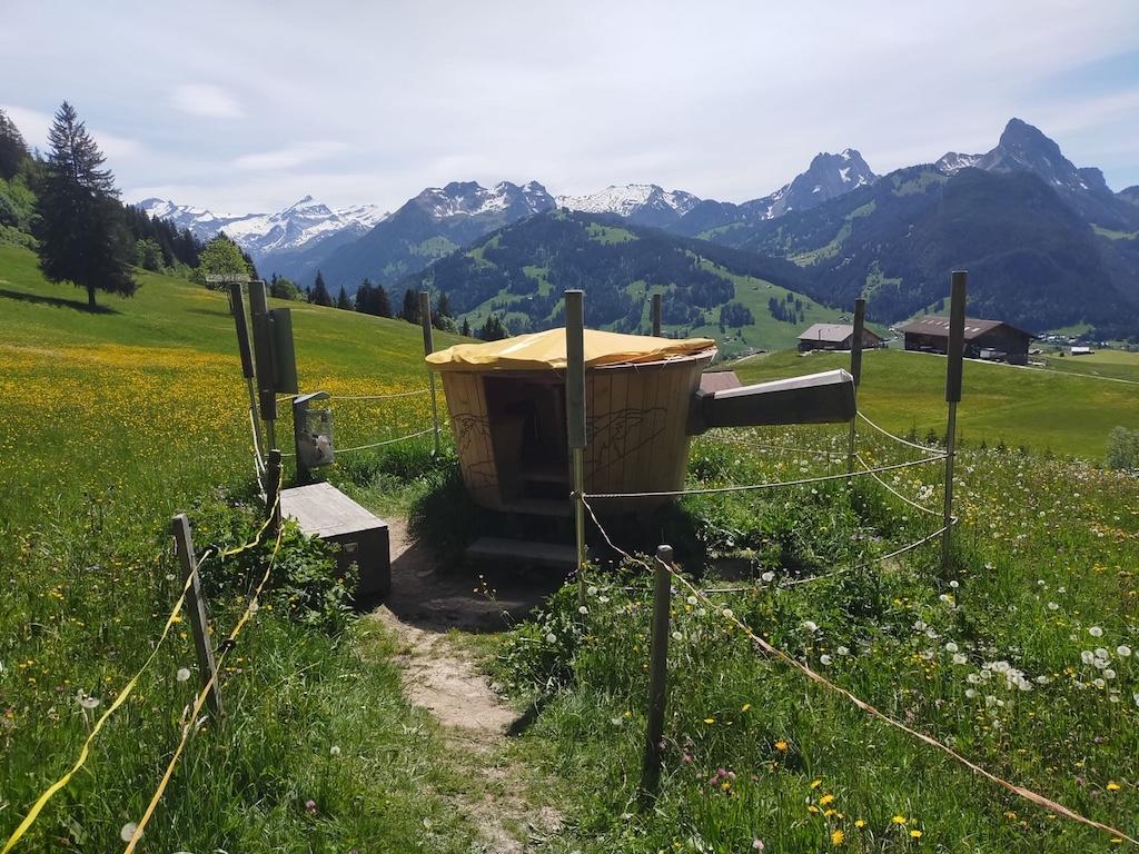 Im Schlittmoos, Fondue Caquelon