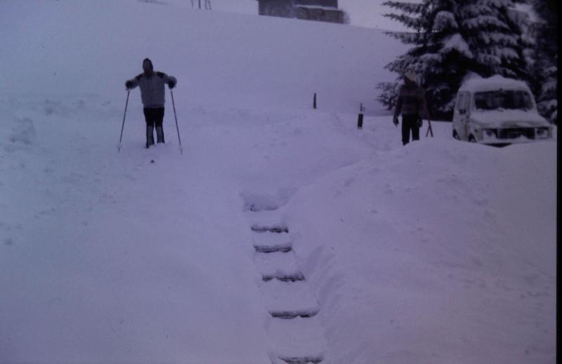 Schnee beim Chalet Diana