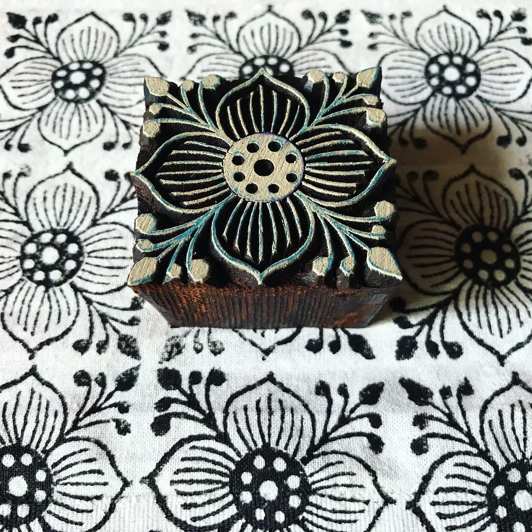 Baumwolle bedrucken mit indischen Holzstempel