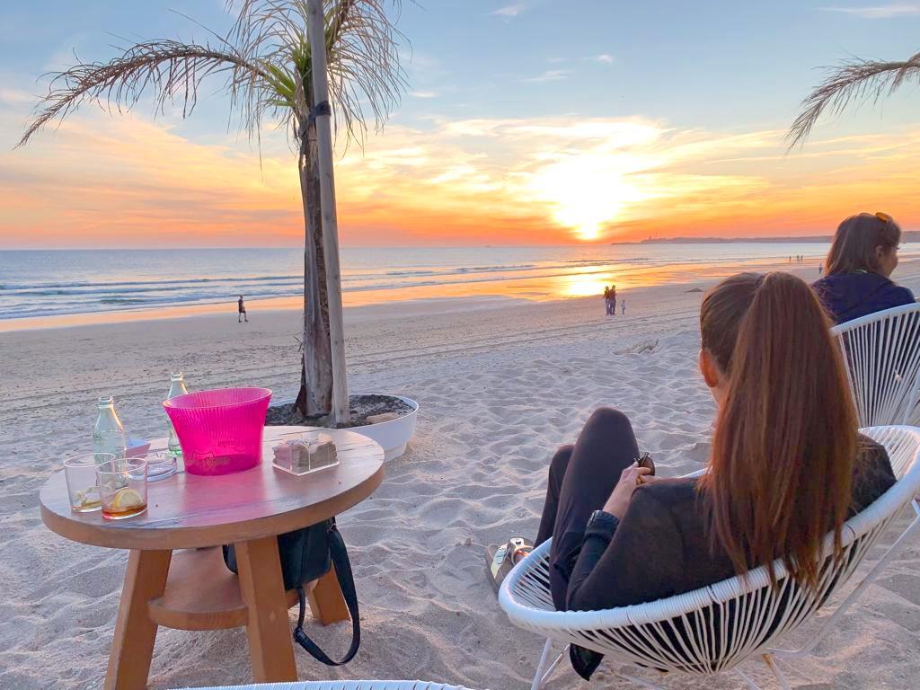 Sundown Yoga am Strand