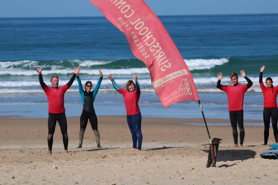 Surfen und Yoga im Winter