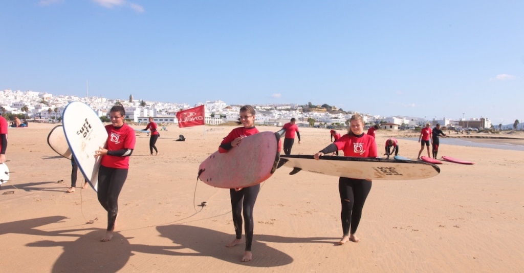 aprender surf conil
