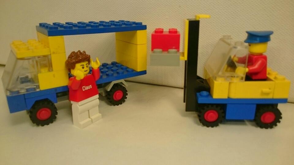 674 - Transporter mit Gabelstapler