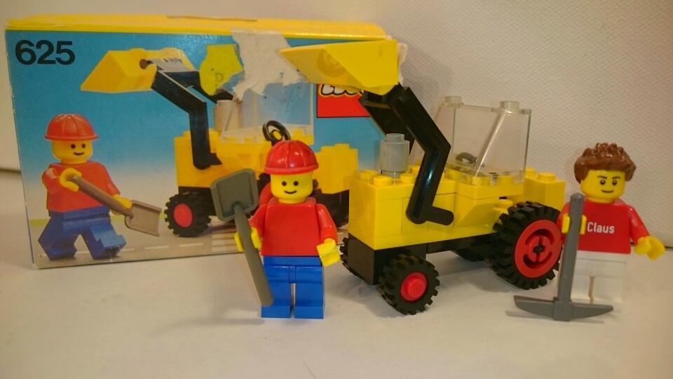 625 - Traktor mit Vordergabel