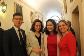 L-R: Xi Zhaoyang, MAOG student; Elisabeth Conrad, course lecturer; Ratchanok Towong, MAOG student, and Antonella Vassallo – Managing Director IOI