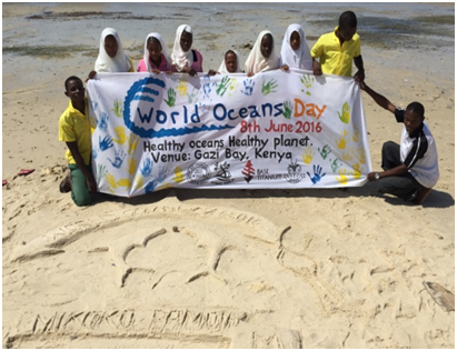 IOI EASTERN AFRICA (KENYA): Local students participating in a sand sculpting competition