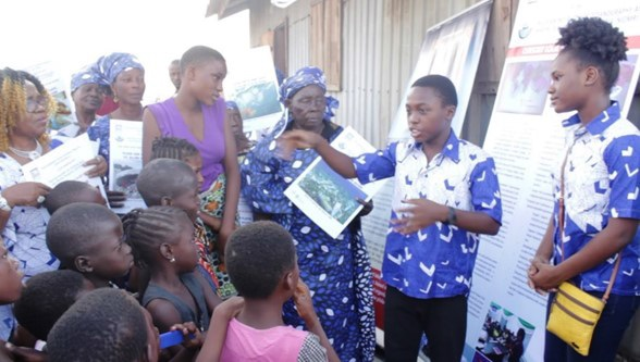 IOI NIGERIA: Addressing kids in the community on the need to properly dispose of plastics due to plastic pollution and the effects of life underwater