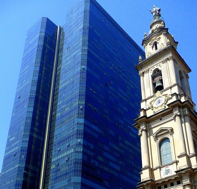 Rio, contrasti architettonici
