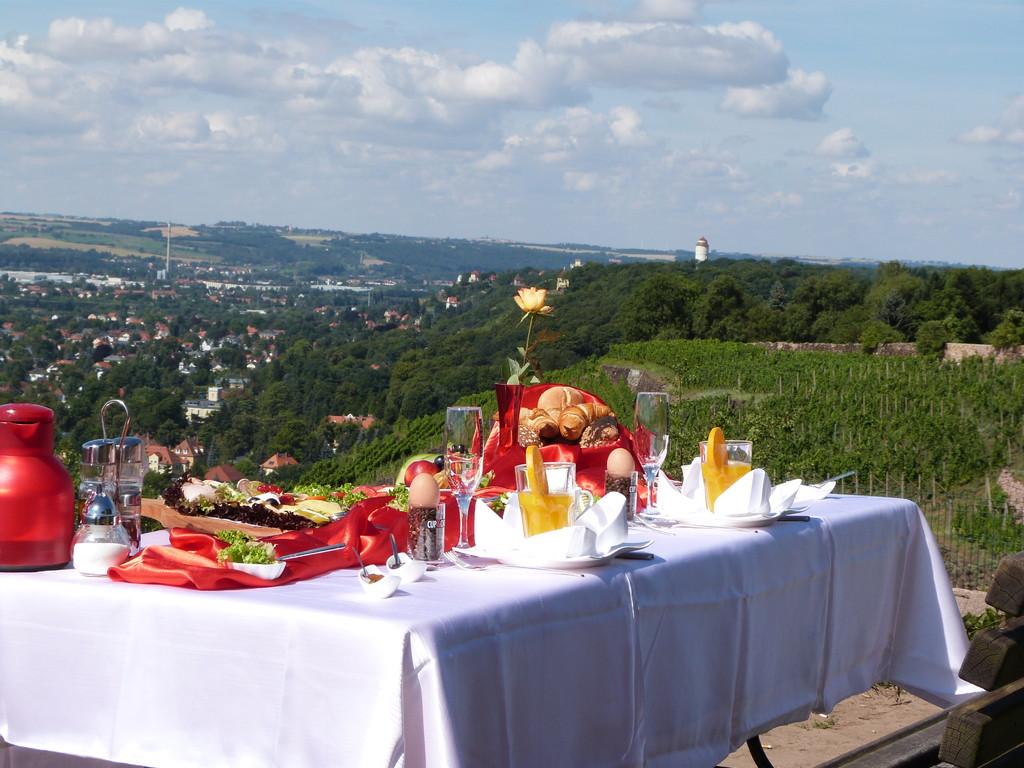 Frühstück am Wasserturm in Radebeul