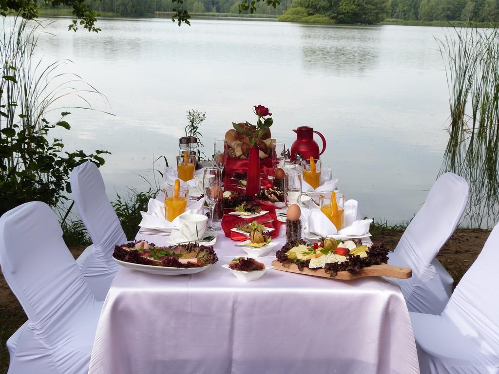 Frühstück am Mittelteich in Moritzburg