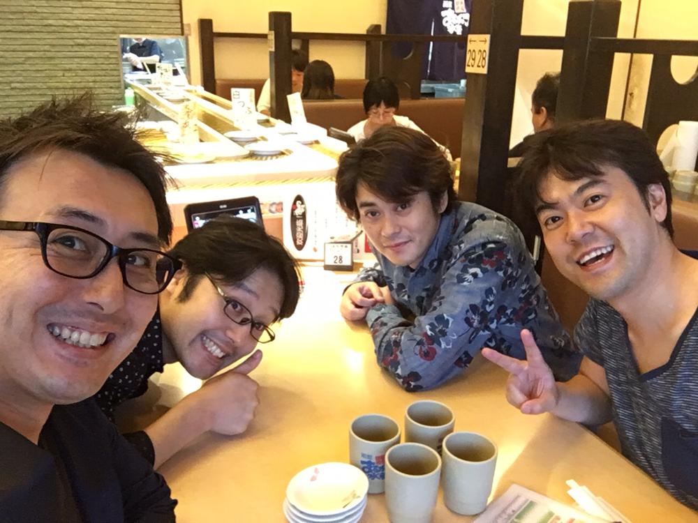 空港からホテル経由でお寿司屋さんへ直行です!