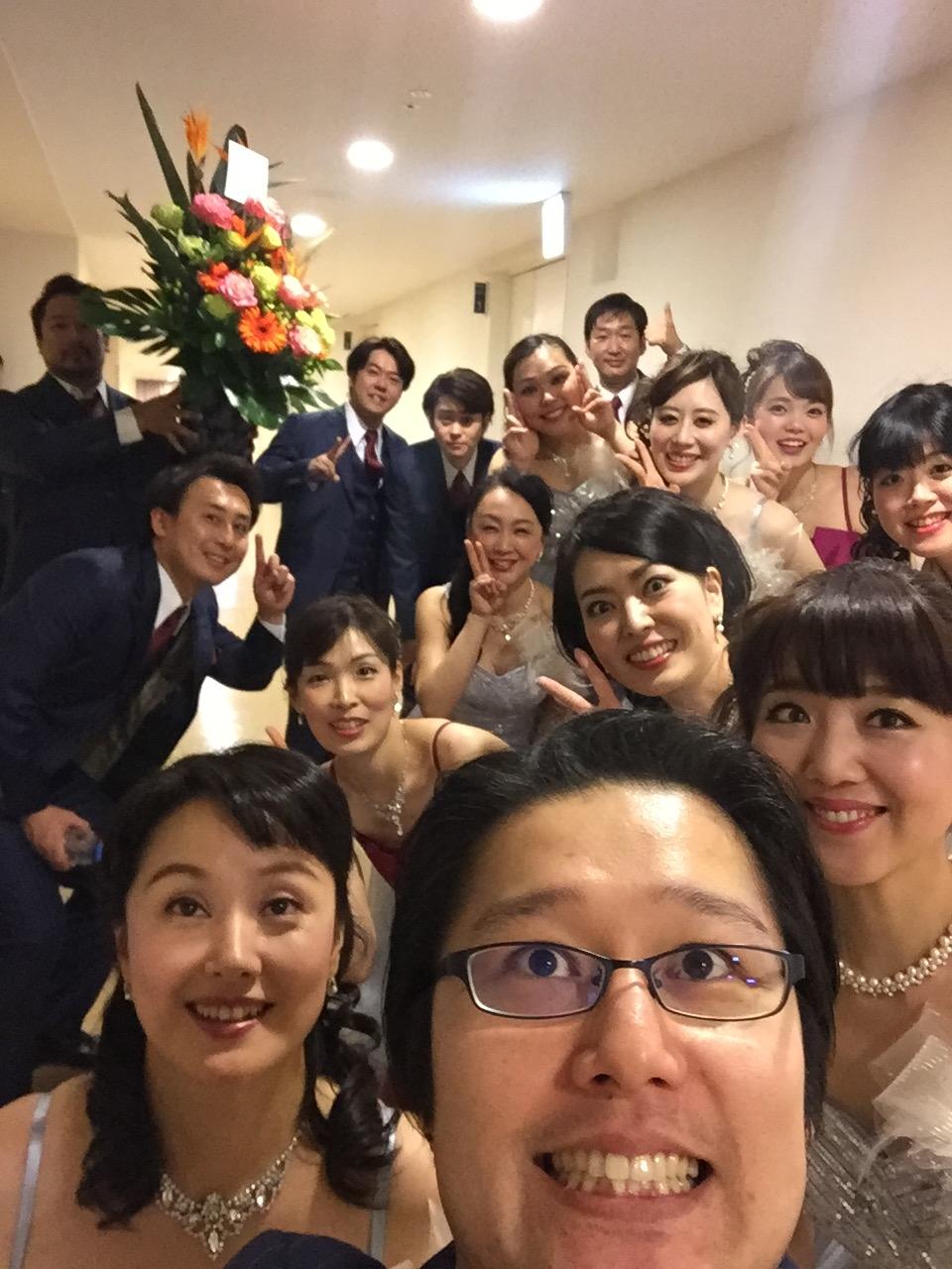 大阪二日間、お疲れ様でしたぁ。カメラの位置を見失う前列の人々(笑)