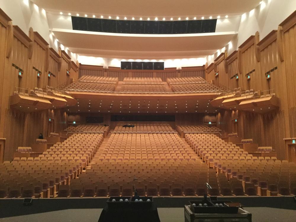 都城市総合文化ホール。とても立派な大ホールです!