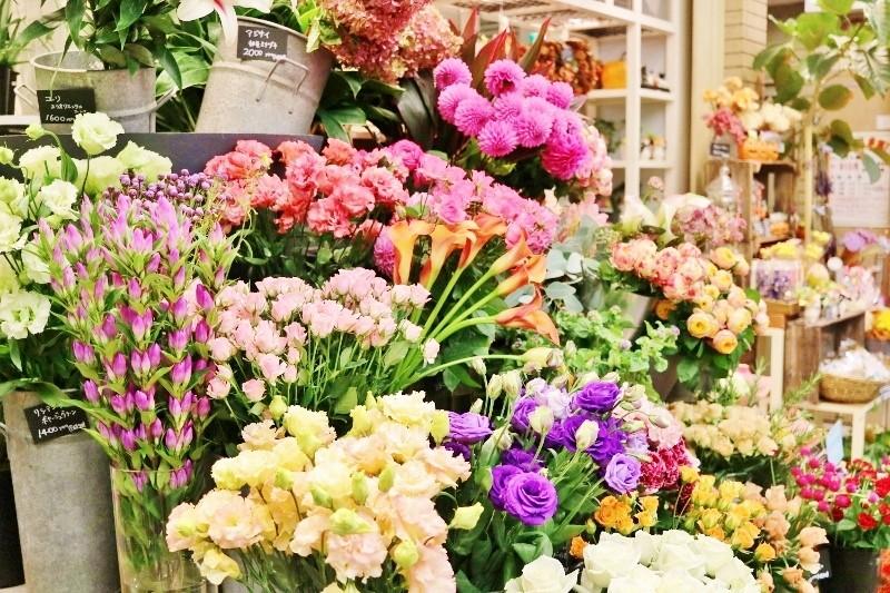 お花屋さんで花束を購入