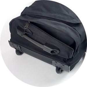 Außenfach der Reisetasche Eastpak mit Rollen, Leatherface Eastpak