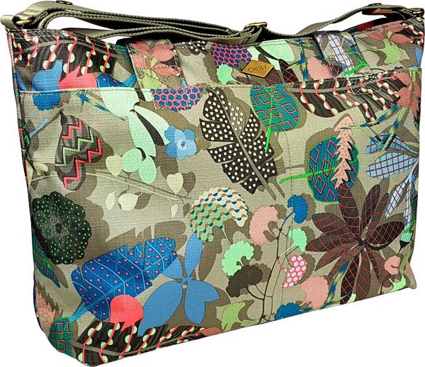 farbenfrohe Oilily Wickeltasche im Botanic Pop Design grün