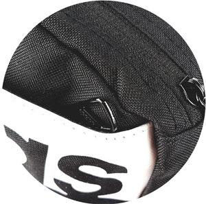 Adidas Bauchtasche versenkter Reißverschluss der Vordertasche