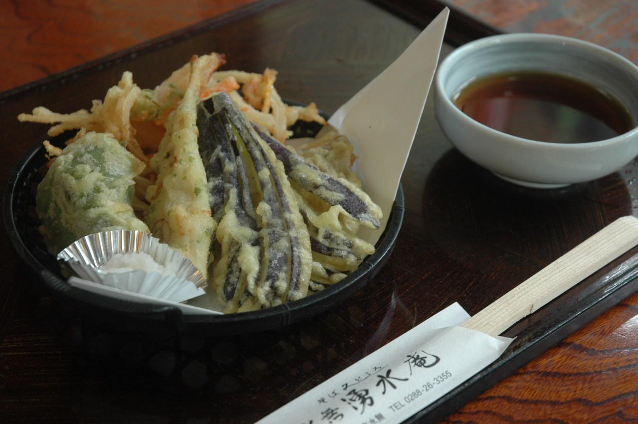 季節のおいしい野菜で作る「天ぷら盛り合わせ」