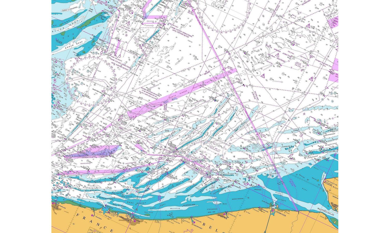 <b>Belgische kust – Technisch zeelandschap</b> Dat de zee niet alleen poëtische gevoelens losmaakt maar ook andere aanblikken heeft, toont deze technische kaart. (3/2016)