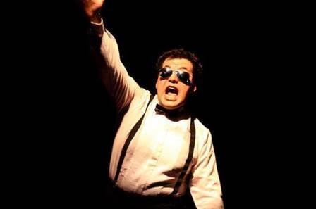 """Llega """"El malo de la película"""" al teatro Varasanta"""