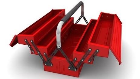 Werkzeugkasten leer  möchte gefüllt werden mit Werkzeug