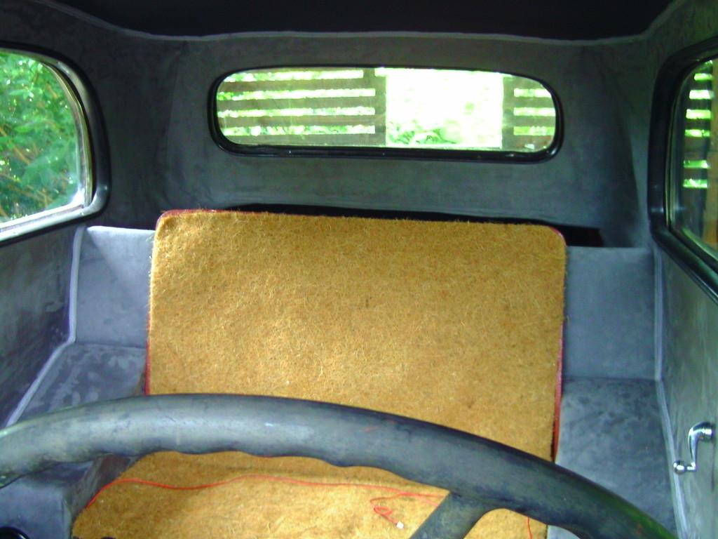 Sitzbank von VW T2 Verbaut,da es keine Orginale gibt!!