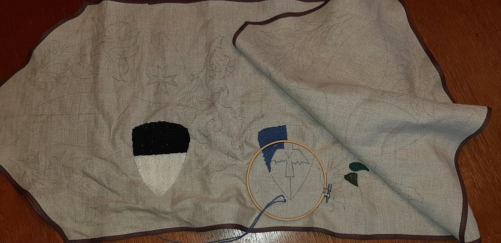 hier werden die Wappen unserer häufigsten Gäste im Klosterstich auf einen Läufer gestickt