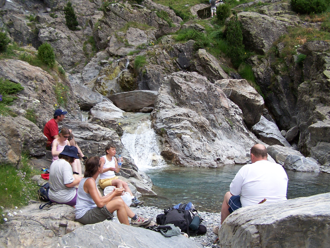 Pique-nique au bord de l'eau vallée de Pineta