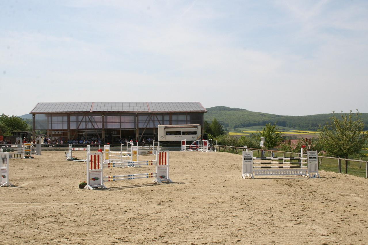 Springplatz beim großen Freilandturnier