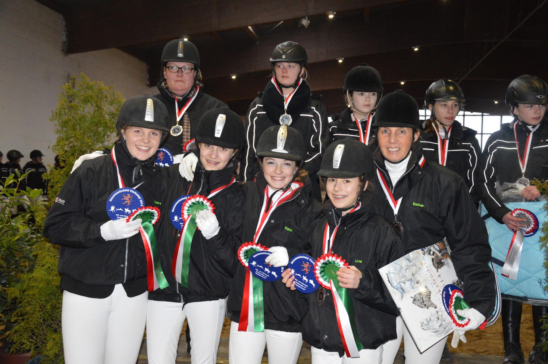 Die 6. platzierte E- Mannschaft 1 mit: Laura, Greta, Kathi und Livia