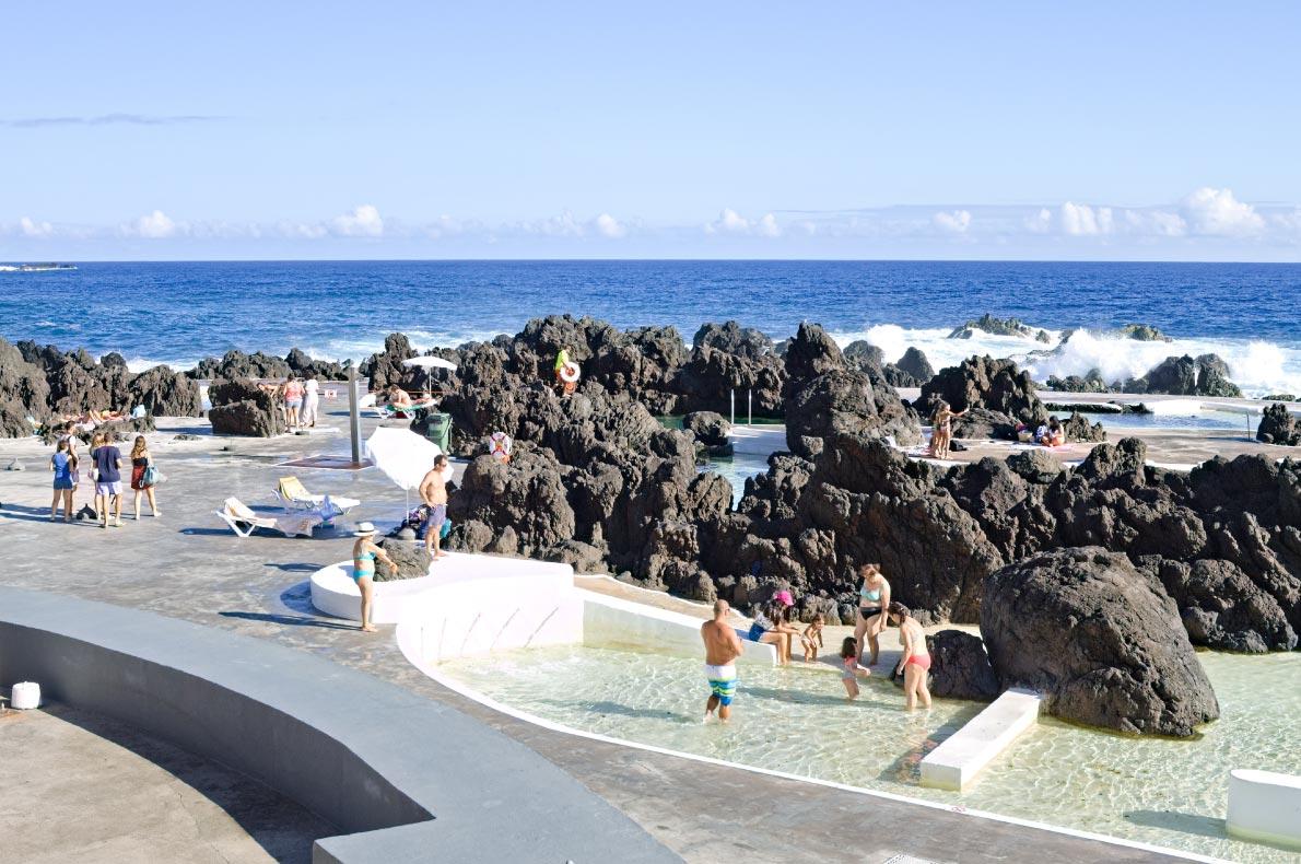 Madeira with kids -  Porto Moniz POol - Copyright  tommybarba