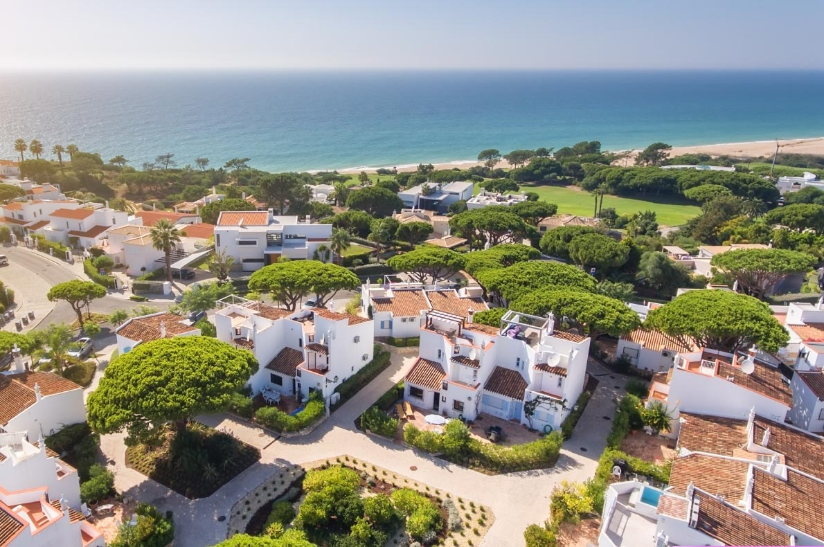 Leaving the USA - Best destinations to live in Europe for american expats - Algarve Vale de Lobo copyright  Sergio Sergo