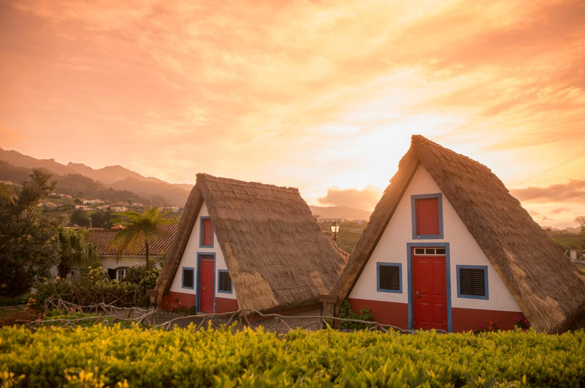 Madeira with kids - Santana House - Casas de Colmo - copyright amnat30