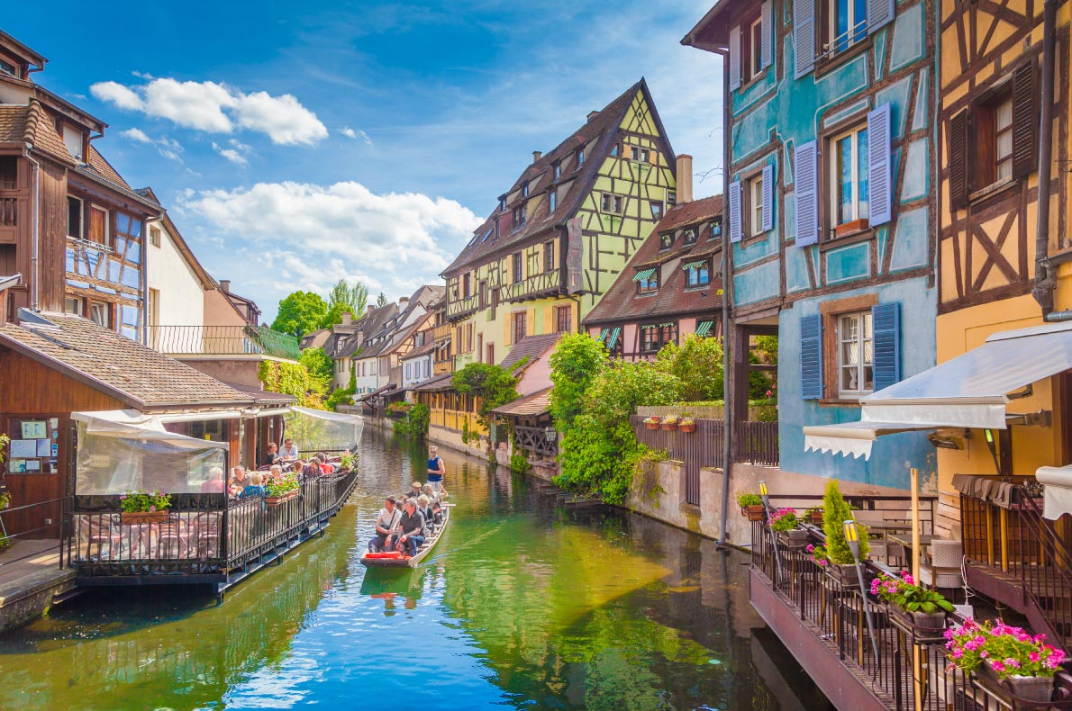 Leaving the USA - Best destinations to live in Europe for american expats - Alsace copyright canadastock