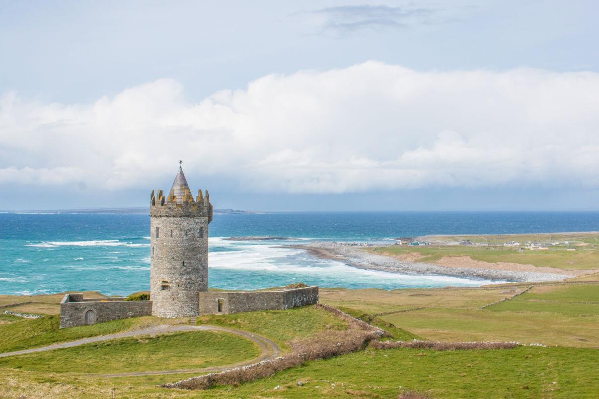 Best castles in Ireland - Doonagore Castle copyright Fabian Junge - European Best Destinations