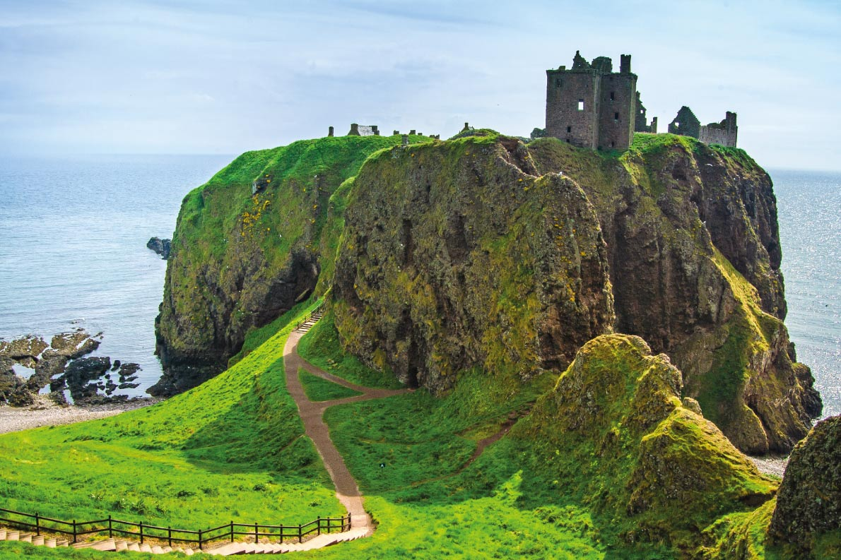 Dunnottare Castle - Hamlet - Best movie locations in Europe - Copyright StevanZZ - European Best Destinations